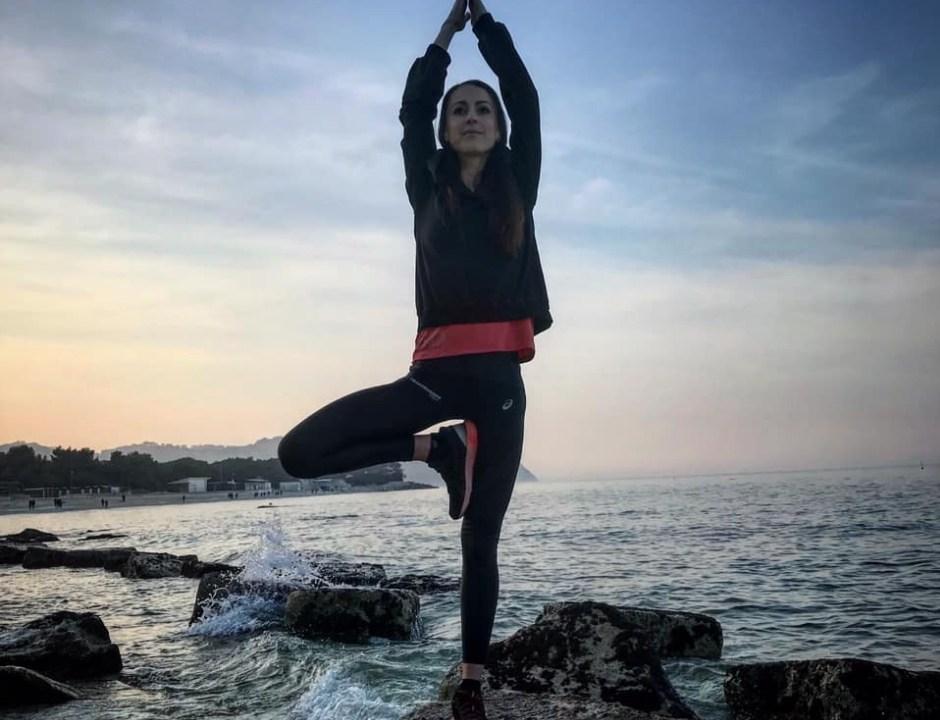 Yana Savechko Yoga Equilibrio