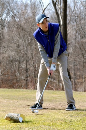 Spencer Zullo '17 practices on March 19 at Mountain View golf course.  Photo: Ashley Dart