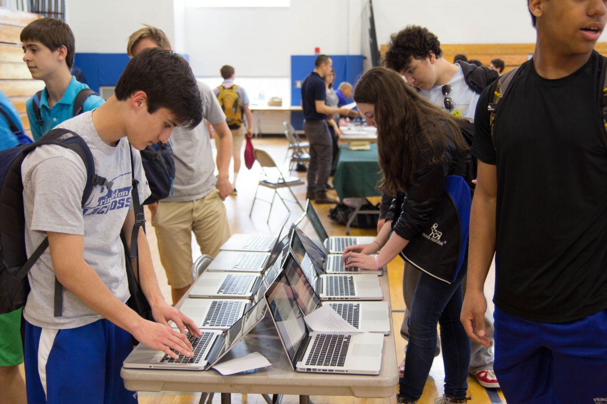 Expanded set of presenters at career fair introduce job paths to students