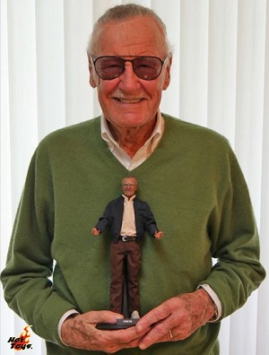 Stan-Lee-Collectible-Figure