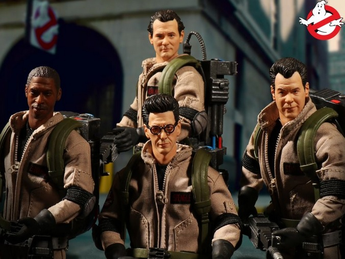 Mezco Ghostbusters Deluxe Box