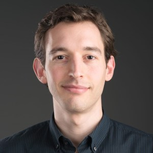 Alexandre Niederauer Azevedo The Traction Stage - podcast host, blog writer
