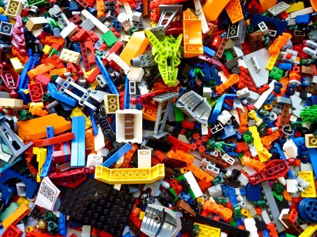 scrambled lego pieces