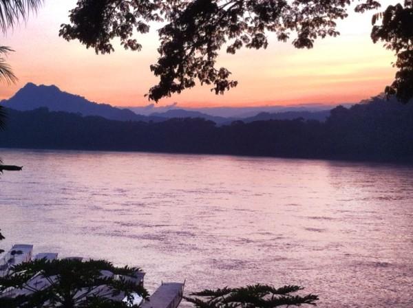 luang prabang mekong sunset
