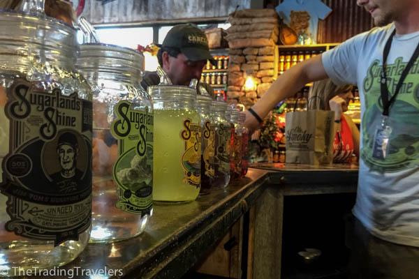 sugarlands moonshine distillery gatlinburg