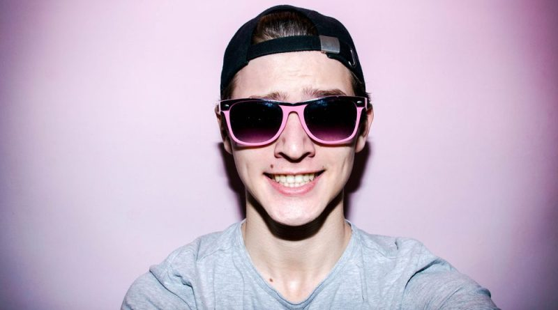 """""""I got laid last night"""" says guy who definitely just masturbated in your shared bathroom"""