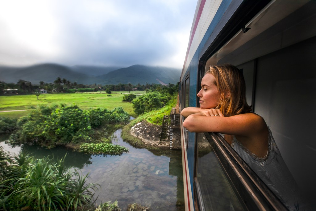 danang-to-hue-by-train