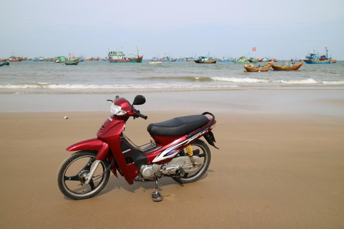 Riding an ATV in Vietnam – White Sand Dunes, Mui Ne