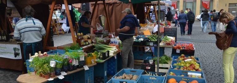 PRAGUE FARMERS' MARKETS 6 DAYS A WEEK