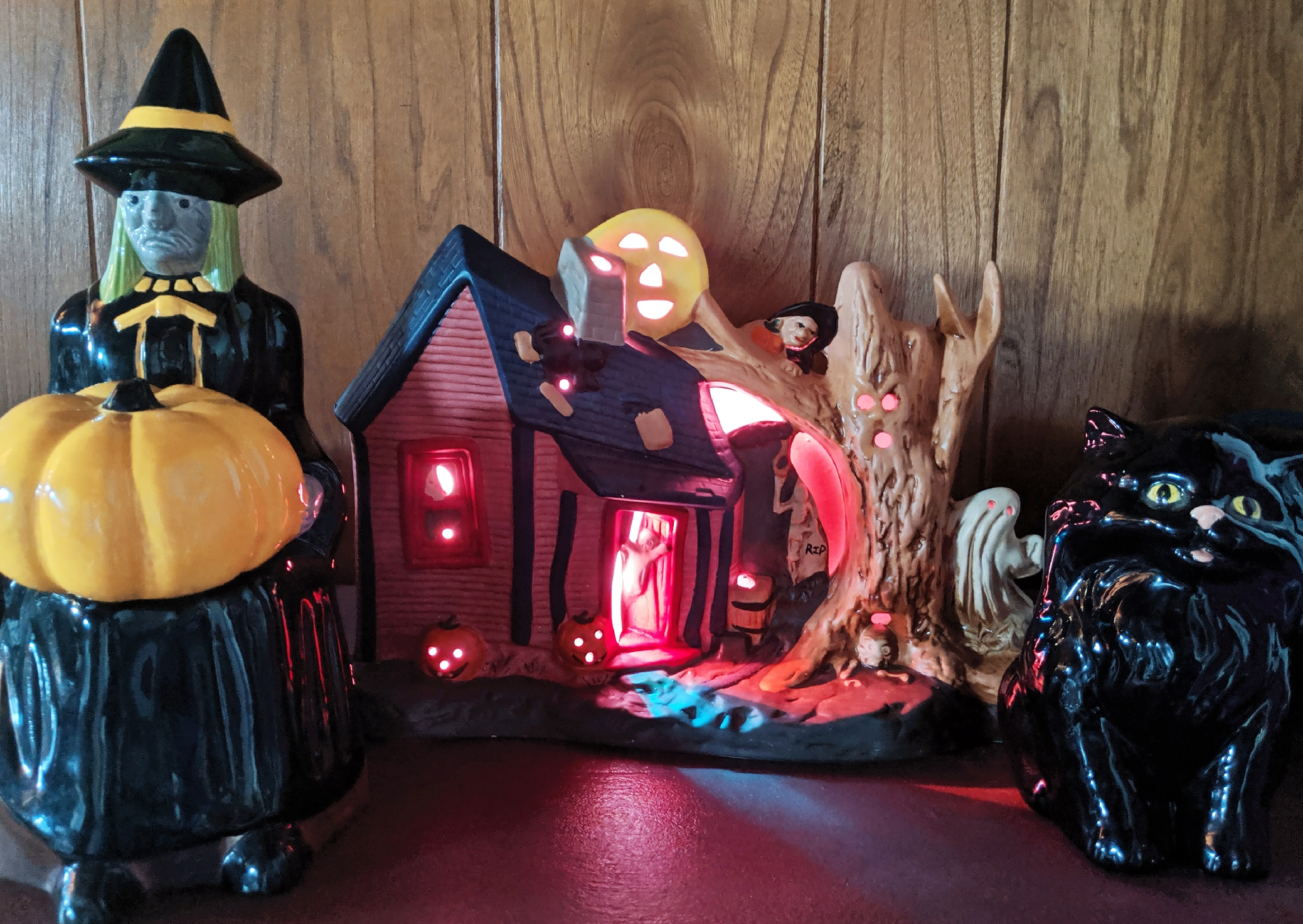 , Plastic is Scary: Green Halloween Costumes & Decorations, The Travel Bug Bite
