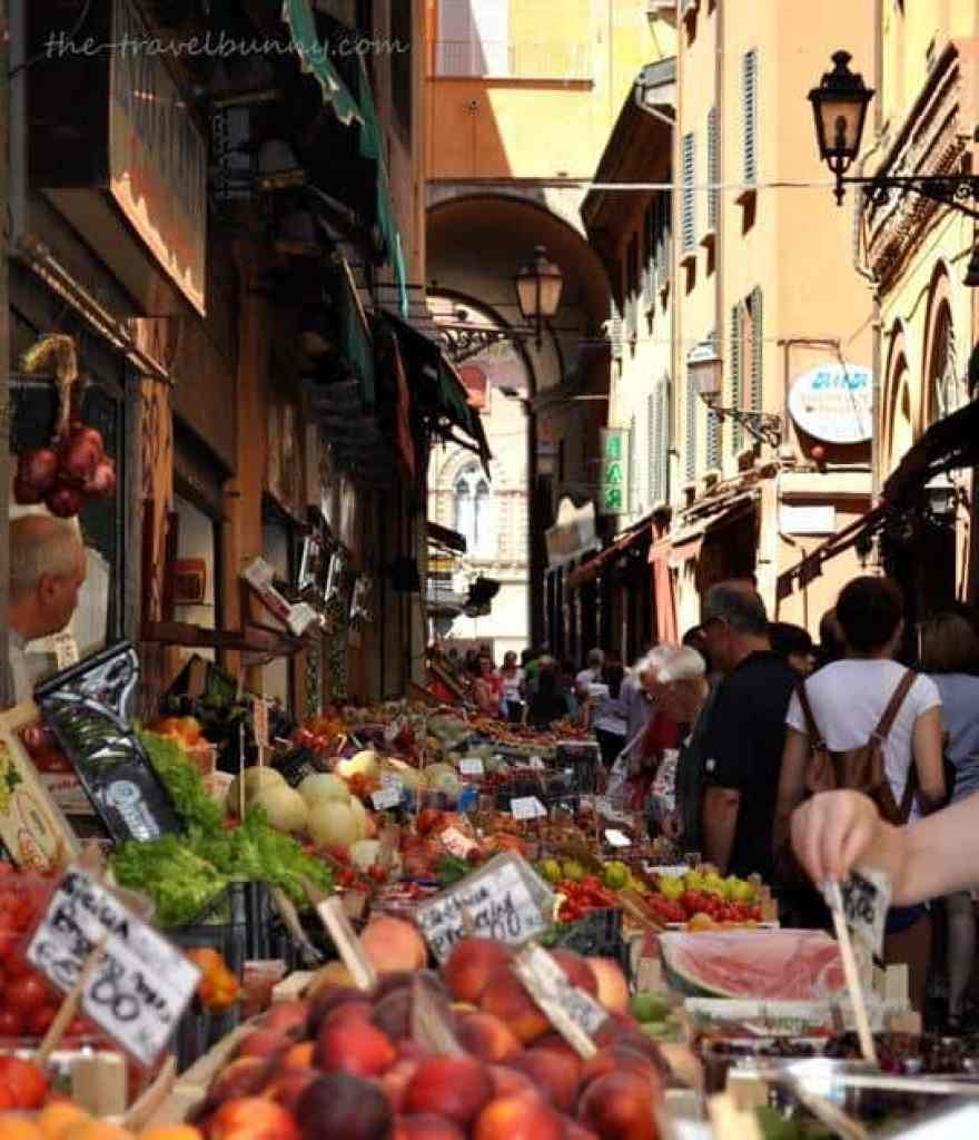 Via Pescherie Vecchia, Bologna