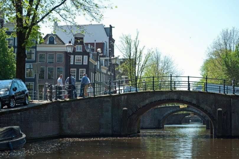Amsterdam 39 S Canal Life The Travelbunny