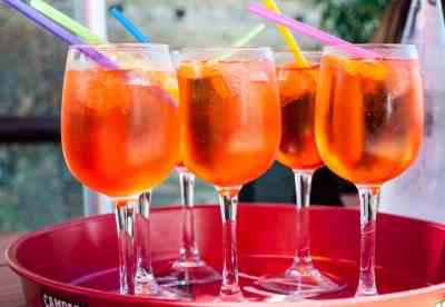 Aperol Spritz recipe – sunshine in a glass!