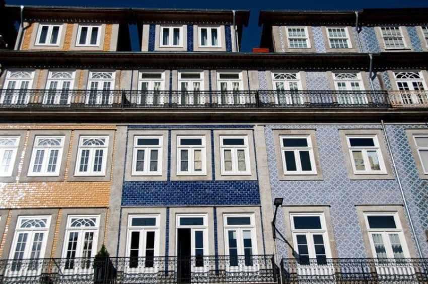Tiled Fascia Porto