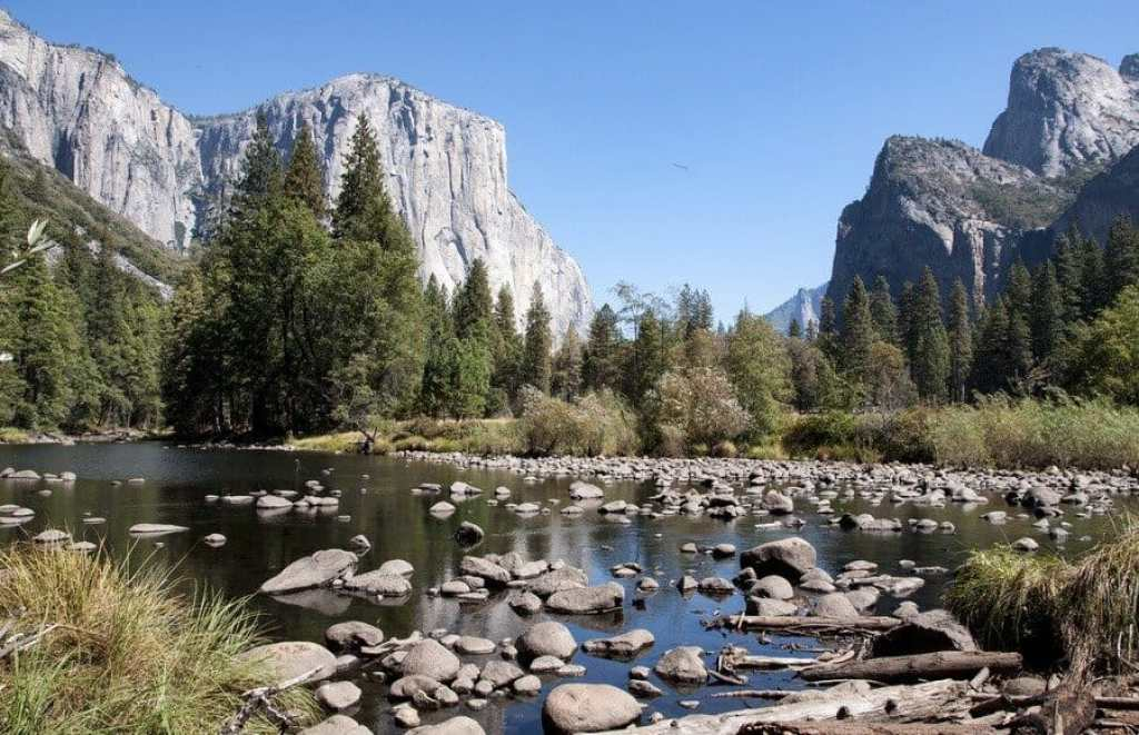 valley-view-merced-river-exploring-yosemite