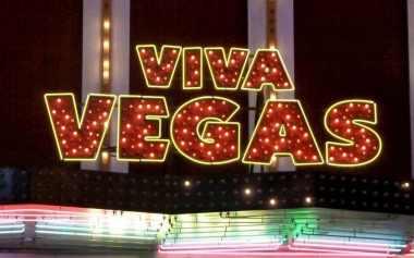 Viva Vegas Sign