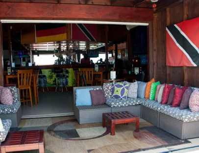 Boozies-beach-bar-st-kitts