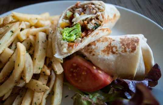 chicken-jerk-wrap-st-kitts