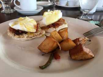 eggs-benedict-st-kitts-restaurant