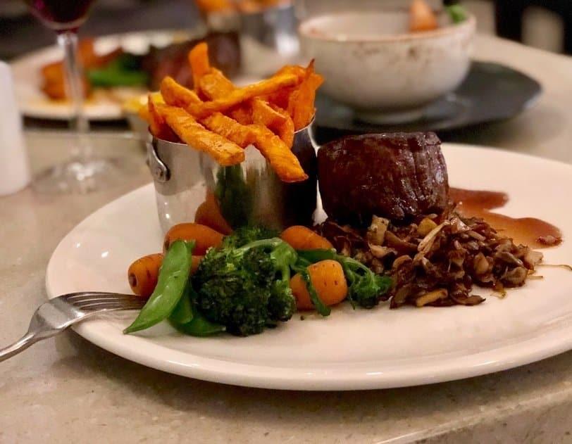 Fillet Steak Main Course Wood Norton