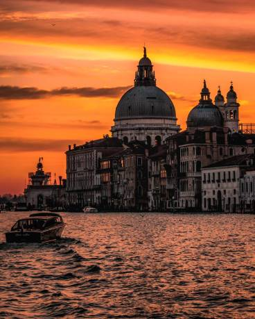 Places-to-see-sunset-in-Venice