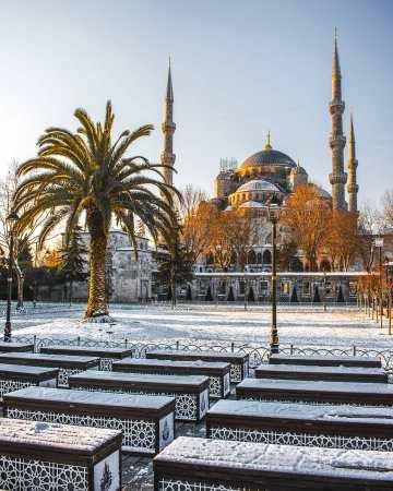 La-Mezquita-Azul-de-Estambul-en-obras