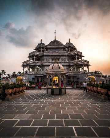 The-famous-temples-of-Gujarat