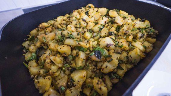 Vegetarian-food-in-Gujarat