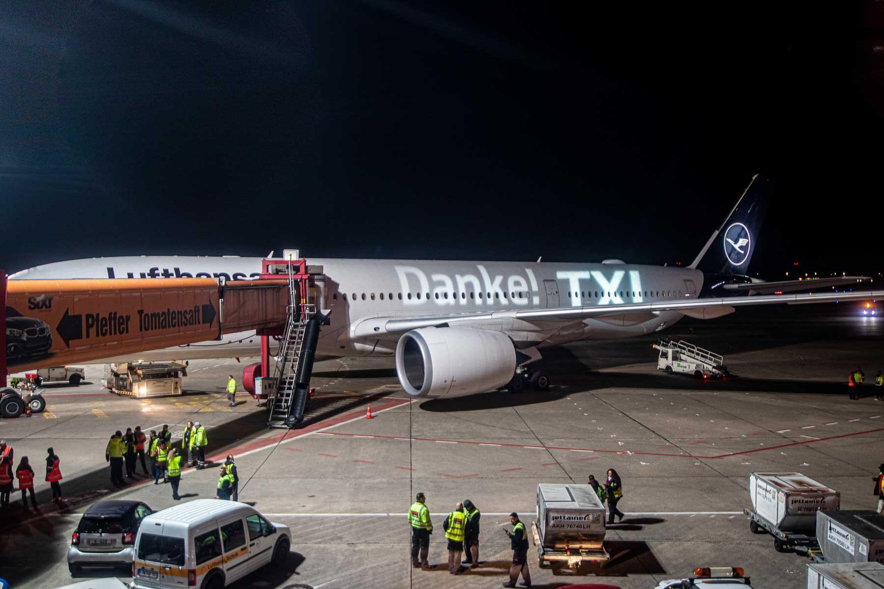 Letzter Lufthansa Flug Berlin Tegel Airbus A350 D-AIXI TXL The Travel Happiness