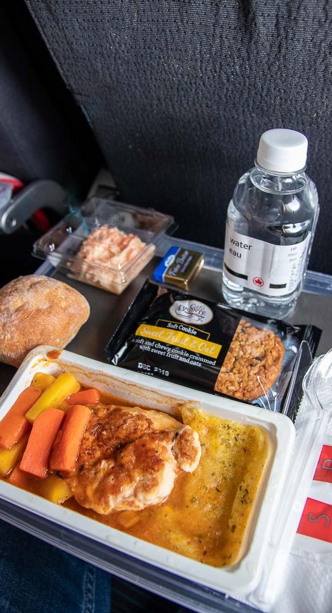 Air Canada Economy Class Essen Mahlzeit