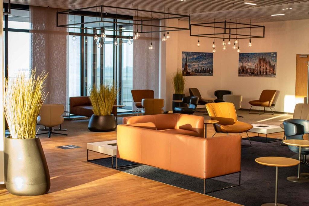 Lufthansa Lounge BER Business Senator Lounge Flughafen Berlin The Travel Happiness-1