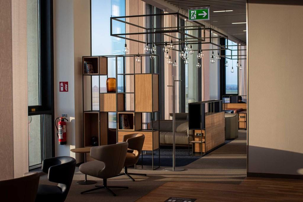 Lufthansa Lounge BER Business Senator Lounge Flughafen Berlin The Travel Happiness-2