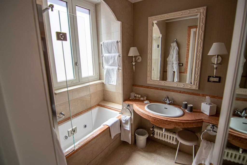 Marriott-Grand-Flora-Hotel-Rom-Deluxe-Zimmer-2