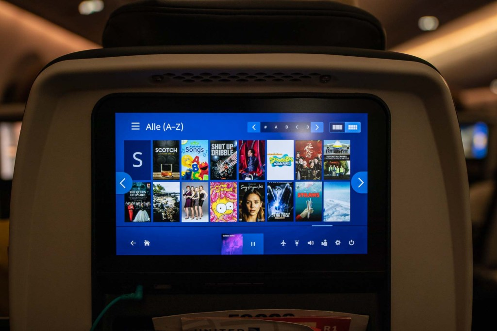 United Airlines Inflight Entertainment Boeing 787-10 Fernsehen Bildschirm Serien TV Shows-4