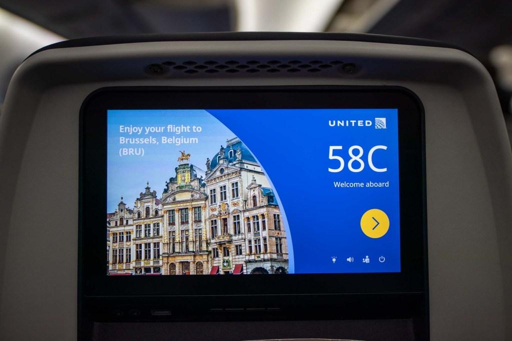 United Airlines Inflight Entertainment Boeing 787-10 Fernsehen Bildschirm Serien TV Shows
