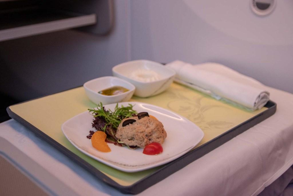 Air China Boeing 787 Business Class Service und Essen Trinken