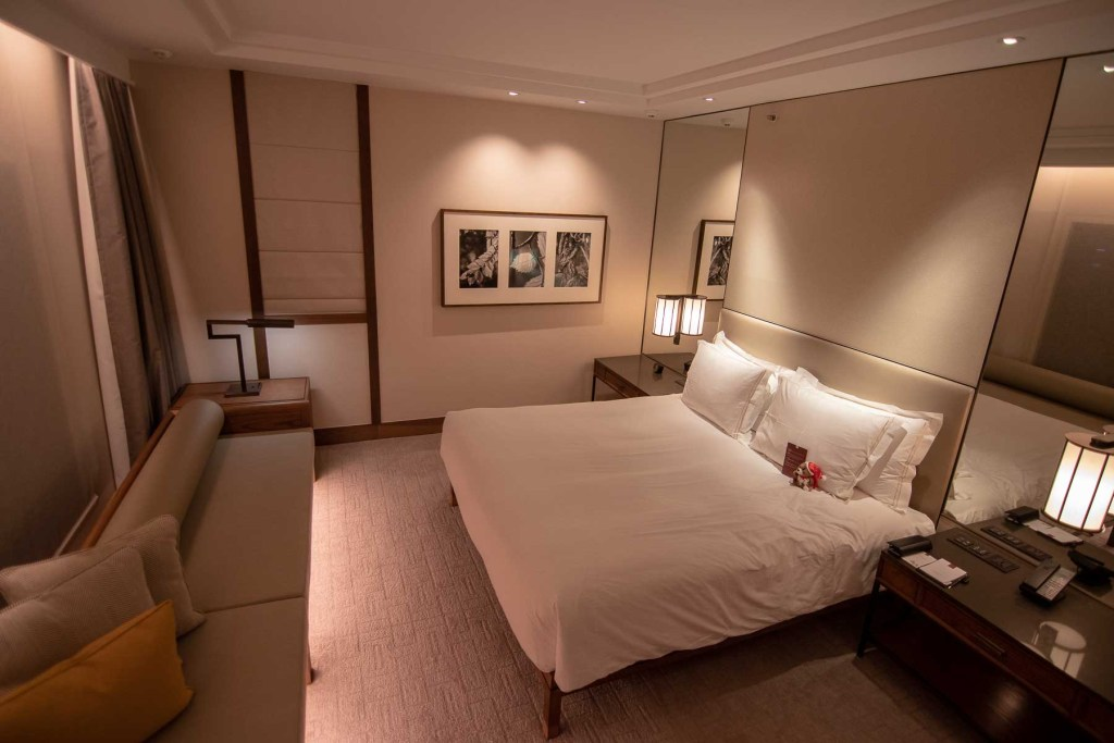 Conrad Singapur Zimmer Grand Deluxe King-3