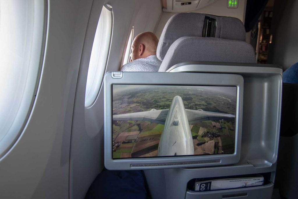 Lufthansa A350 Business Class-3