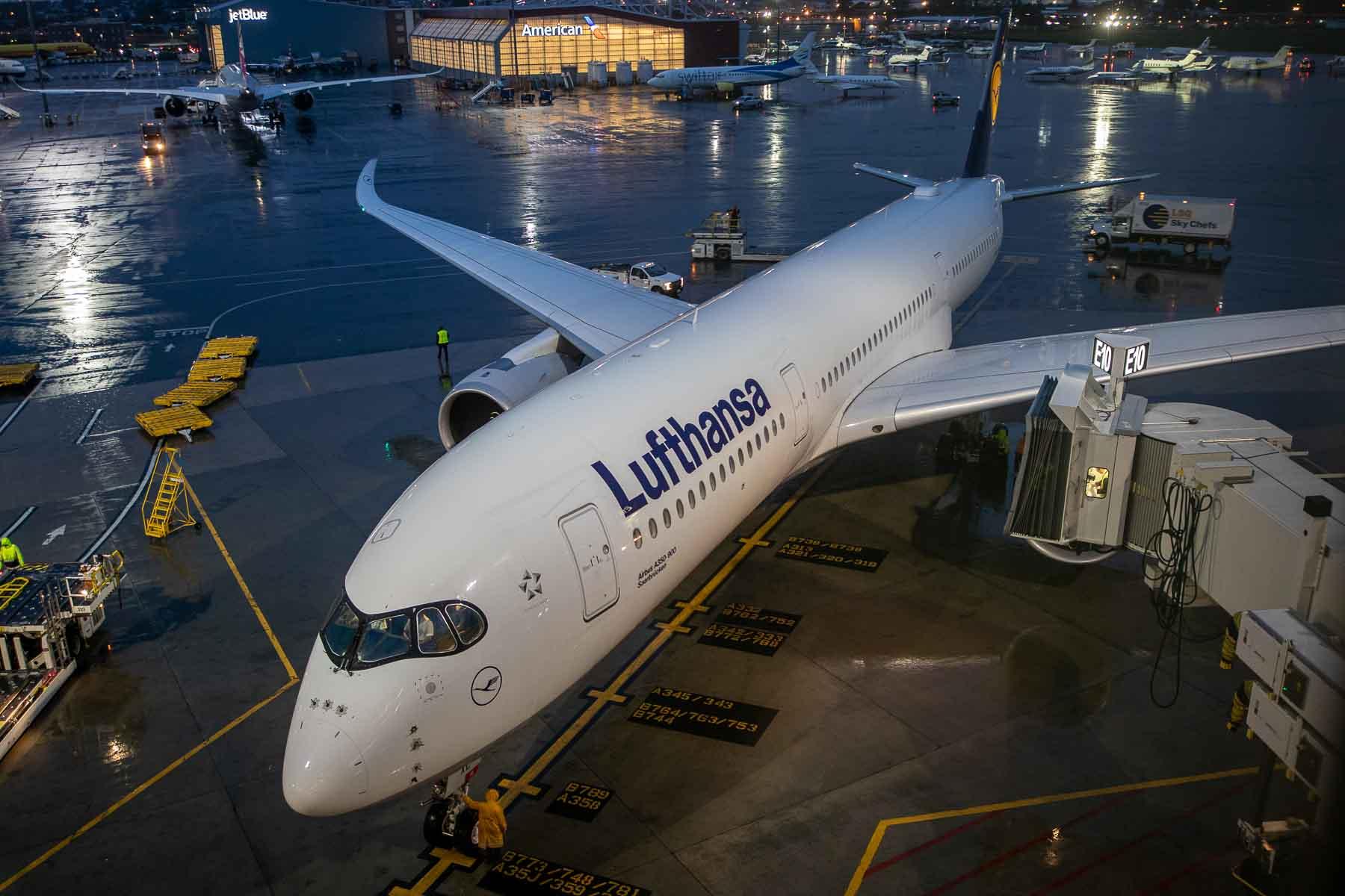 Lufthansa A350 Business Class D-AIXC Saarbrücken