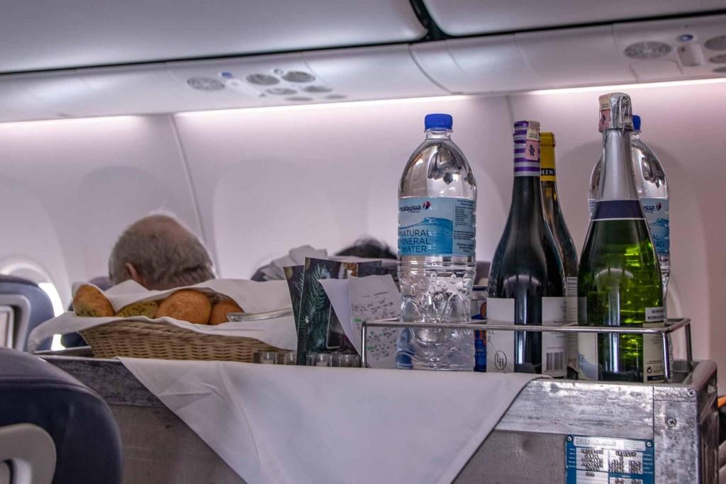 Malaysia Airlines Boeing 737 Business Class Service und Annehmlichkeiten-2