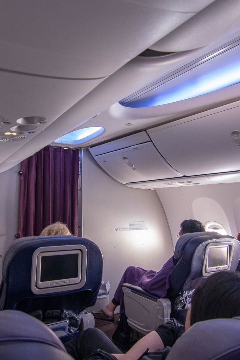 Malaysia Airlines Boeing 737 Business Class Sitz und Kabine-3