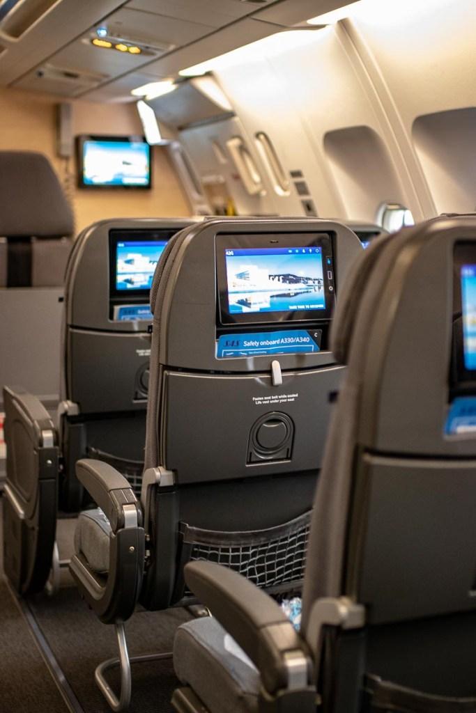 SAS A340 Economy Class-2