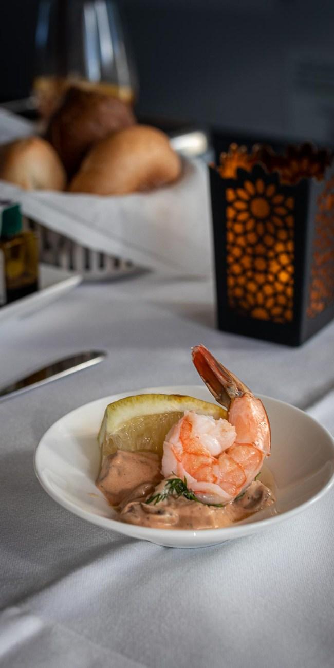Qatar Airways Business Class Service Annehmlichkeiten Drinks Diner The Travel Happiness-2