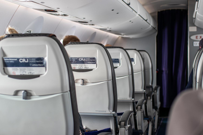 Lufthansa CRJ Business Class Kabine Kurzstrecke