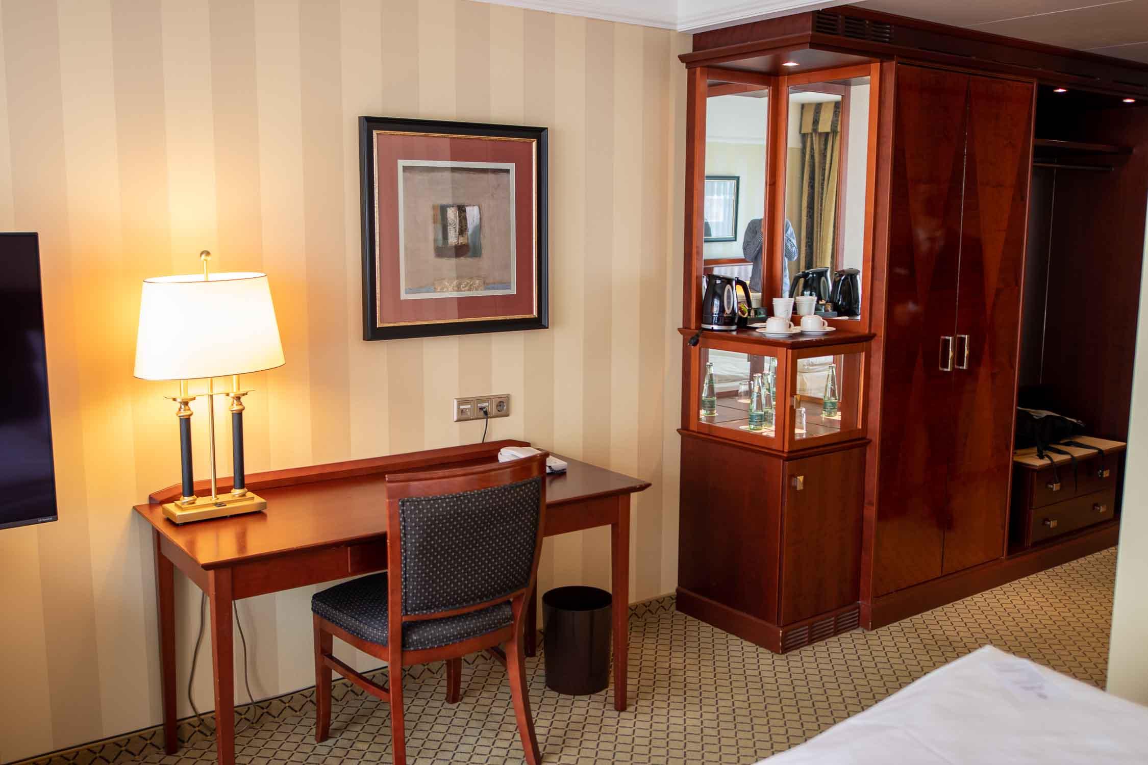 Zimmer JW Marriott Hotel Berlin Erfahrungsbericht-3
