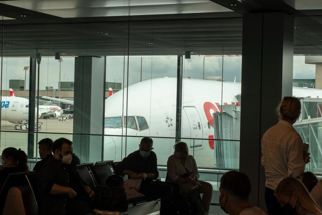 Swiss Boeing 777-300ER HB-JNF Flughafen Zürich