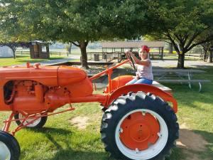Donaldson Farms, tractor