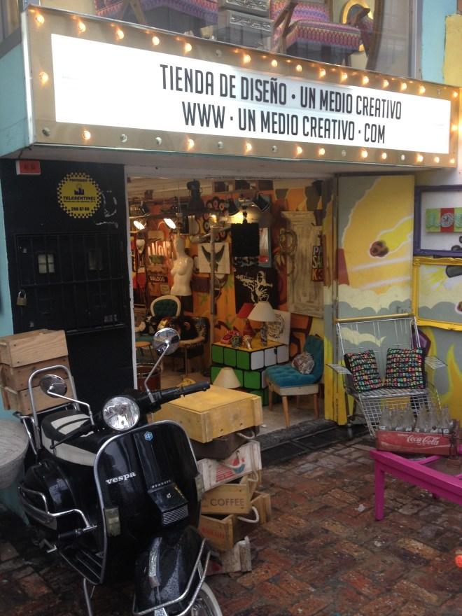 antique store zona g