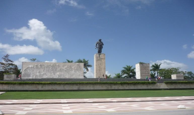 che-guevara-memorial-site