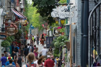 quebec-city-old-town-and-street-view